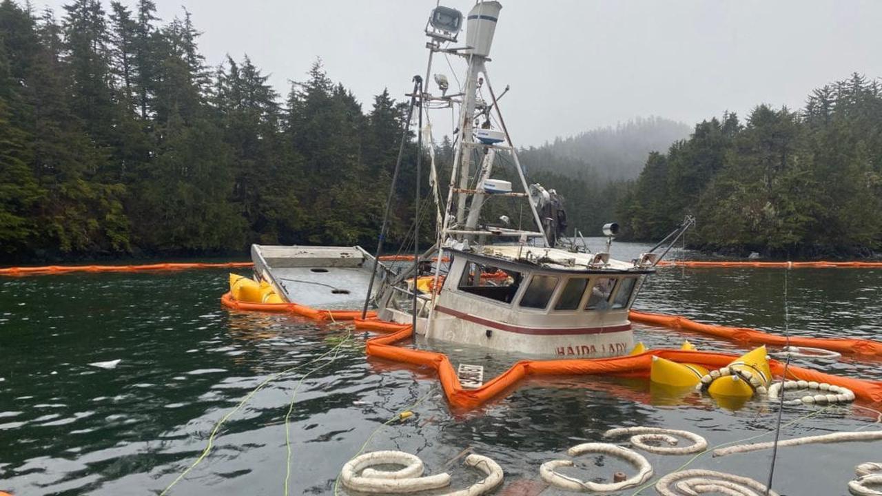 DEC investigates sunken vessel fuel spill