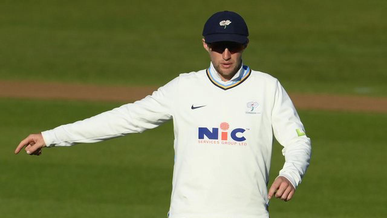 Joe Root out for five as Yorkshire struggle against Sussex