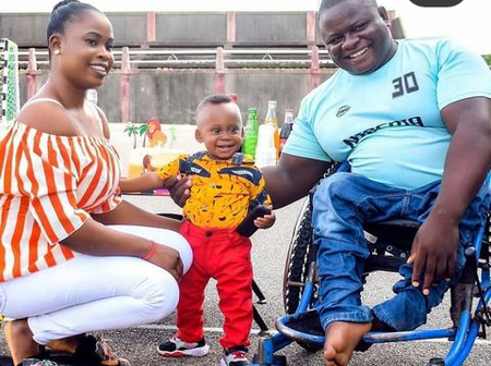 Singer, 2Face Idbia Celebrate A Handicap Who Makes Shoes, Check Out What He Said About Him (Photos)