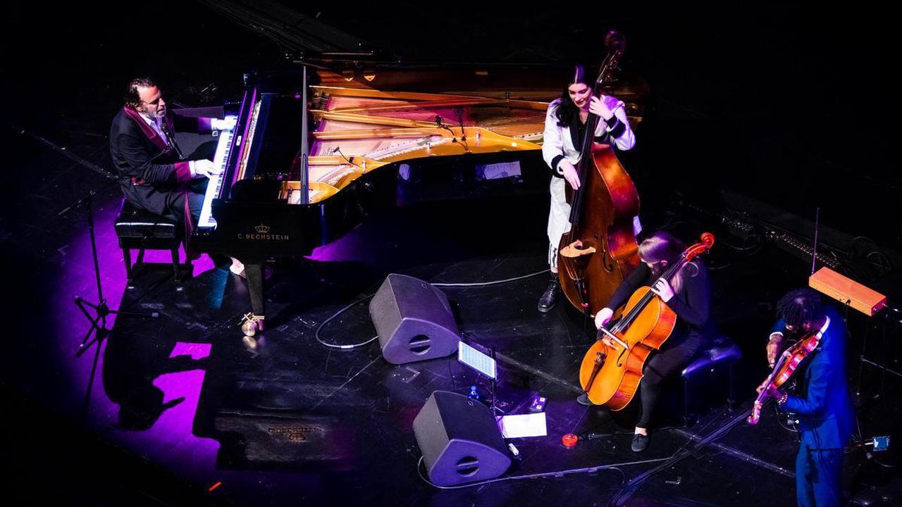 L'événement musical de La Bâtie – Chilly Gonzales au Grand Théâtre: superstar, pantouflard