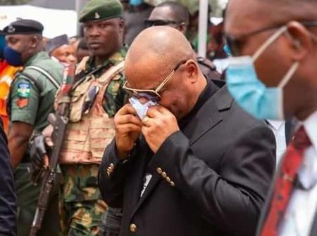 View The Emotional Moment When Gov.Udom Emmanuel 'Wept' At The Funeral Of The PDP State Chairman