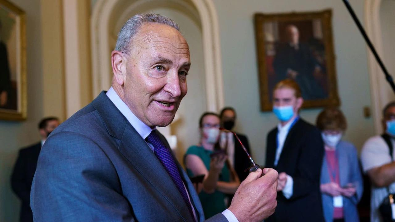 US Senate pauses in bid to put together infrastructure bill