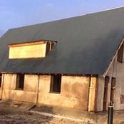 Une entreprise néerlandaise dévoile la première maison préfabriquée et construite en cannabis.