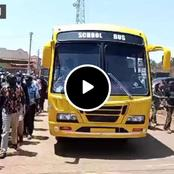 DP Ruto Excites Kenyans as He Drives a School Bus Before Handing it Over to a School in Meru(Video)