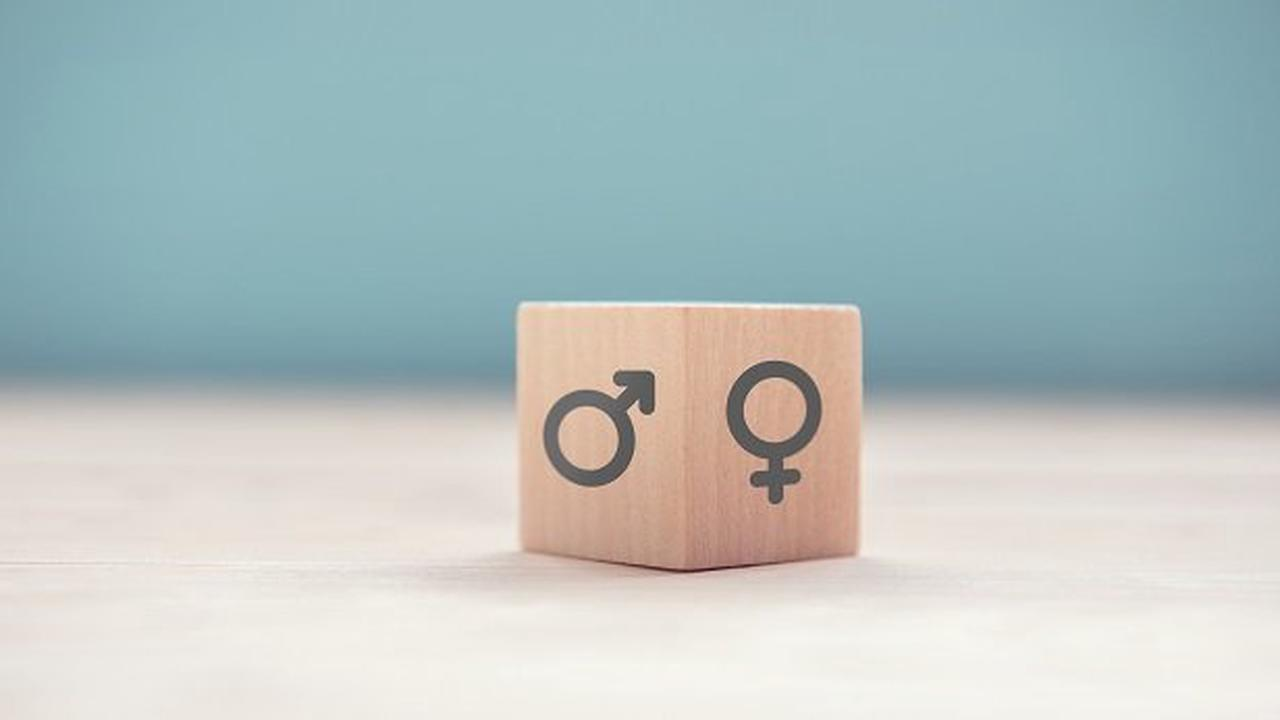 Parlament fordert Regierung auf, intergeschlechtliche Kinder wirksam vor nicht-konsensuellen Eingriffen zu schützen
