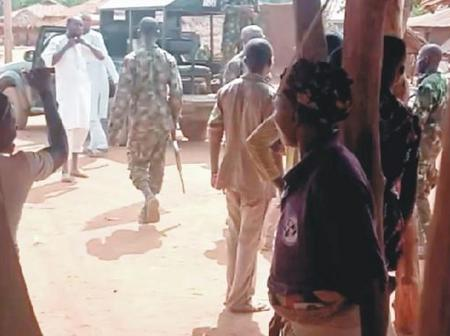 Violence erupts as soldiers storm Ogun villages, flog and warn youths