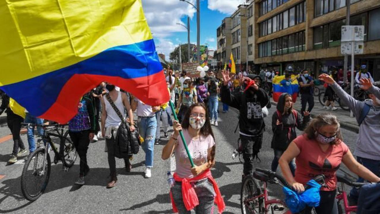 Colombia president increasingly under fire as protests persist