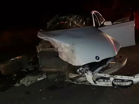Drunk BMW driver causes a major accident and runs away, leaving the injured behind.