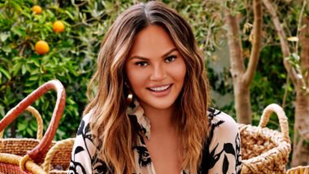 Chrissy Teigen apologises for past 'awful tweets'
