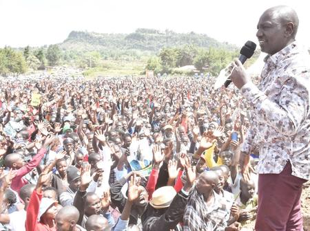 William Ruto Pulls Huge Crowds in Rift Valley Opponents, Tolgos and Gideon Moi Bedrooms