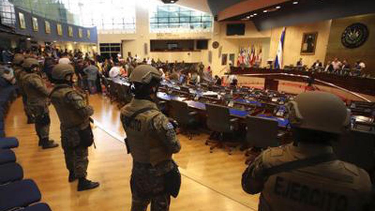 US cuts military aid to El Salvador amid intense lobbying