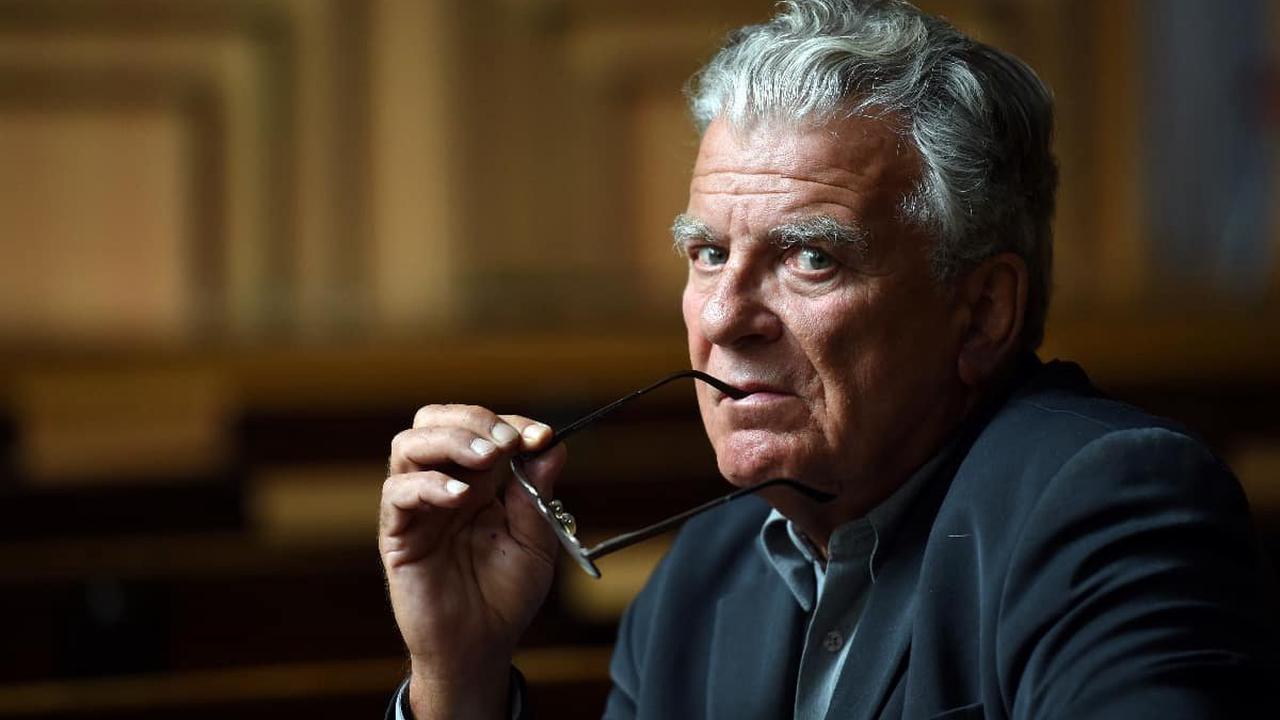 Actualités du jour : l'enquête sur Olivier Duhamel classée sans suite, nouveau gouvernement en Israël