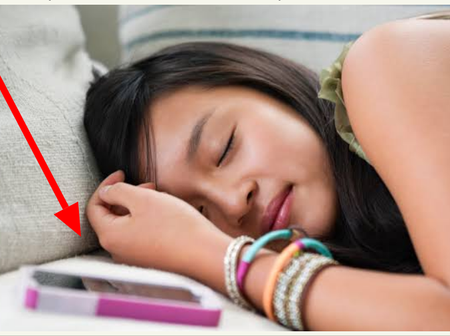 Read This If You Sleep with Your Mobile Phone Near You At Night