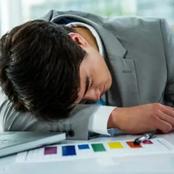Dormir au travail est encouragé au Japon : voici les raisons