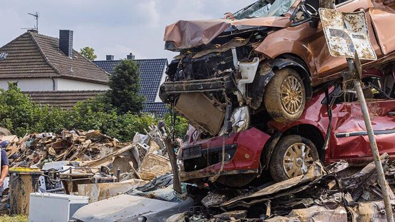Neue Nummernschilder benötigt: Flut zerstörte im Kreis 1500 Kraftfahrzeuge