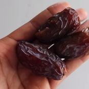 Eight Things That Will Happen to Your Body if You Start Eating 3 Dates Every Day for a Week