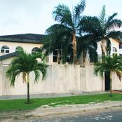 Beverly Hills, ghetto doré d'Abidjan ou les leaders (opposants) politiques vivent côte à côte.