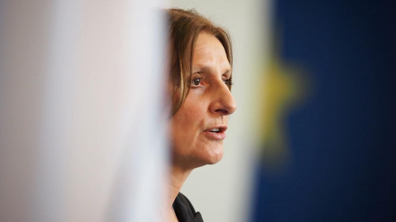 Kultusminister-Chefin: Nicht zu früh auf Maßnahmen festlegen