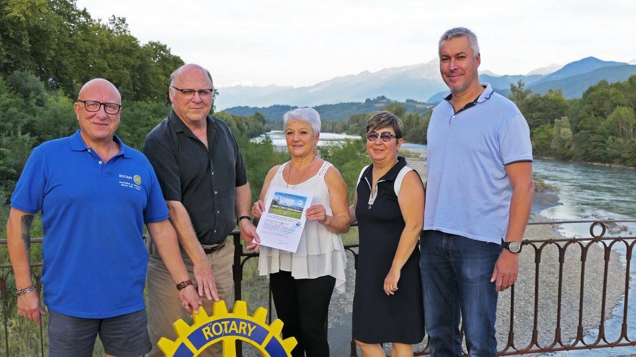 Montmélian. L'heureuse gagnante de la tombola du Rotary Club a reçu son lot