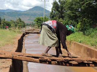 Cobra pangs bridge in Meru county which is endagering lives of the people