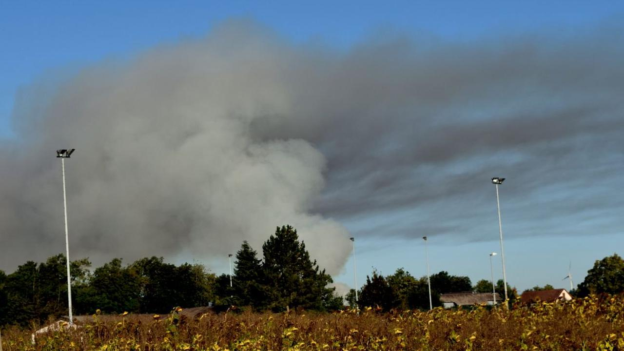 Bei Göggingen: Große Rauchwolke sorgt für Beunruhigung