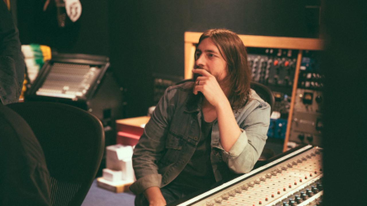 How Dave Cobb Adapted to Pandemic Recording, Found Inspiration with a Bee Gee