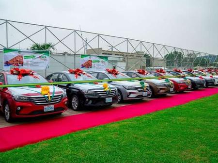 Mixed Reactions As Nigerian Governor Gifts People Brand New Cars To 13 People.