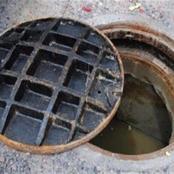 قصة.. استدعوا عامل الحي ليفتح بلوعة الشارع بسبب غرقه بالمياه وعندما قام الرجل بفتحها اكتشف الكارثة