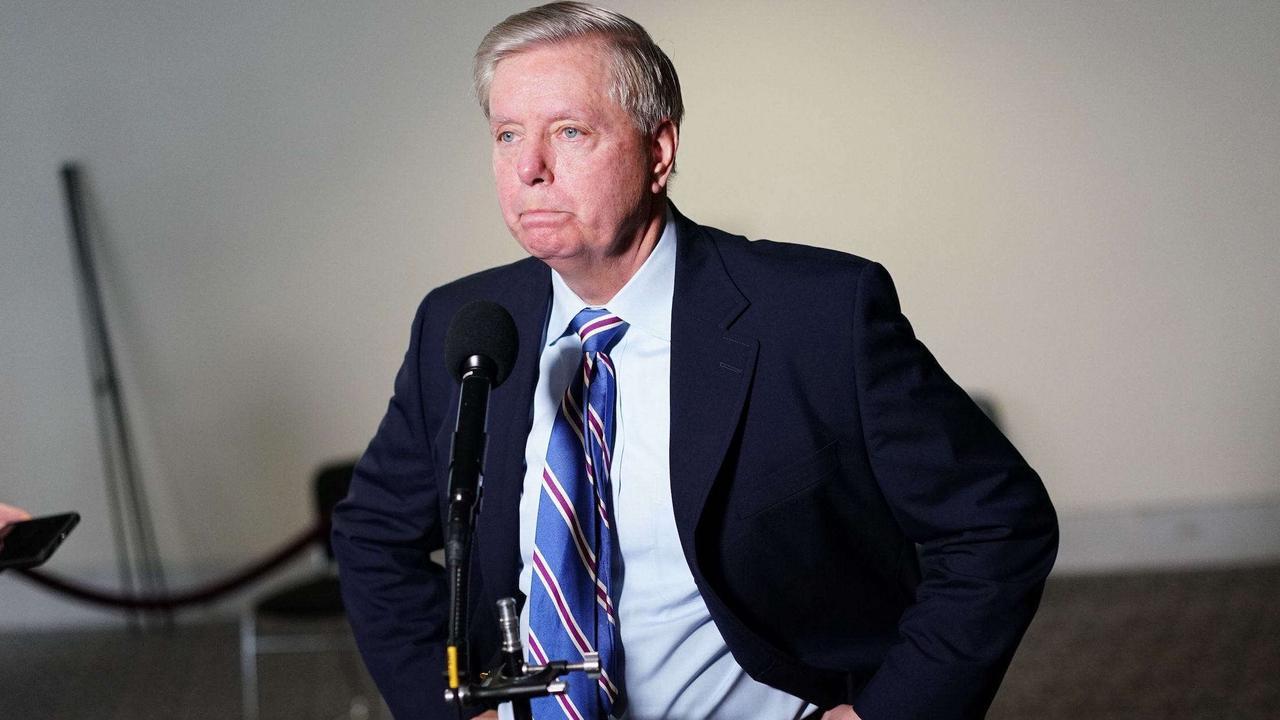 Top Trump ally Lindsey Graham praises Democrats Joe Manchin and Kyrsten Sinema for refusing to abolish the filibuster