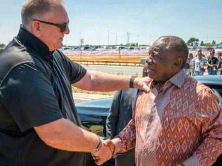 Mzansi left speechless after Tony Leon drops a bombsheIl on Ramaphosa's CR17 campaign