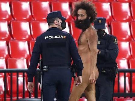 Streaker Interrupts Manchester united VS Granada Europa League Game