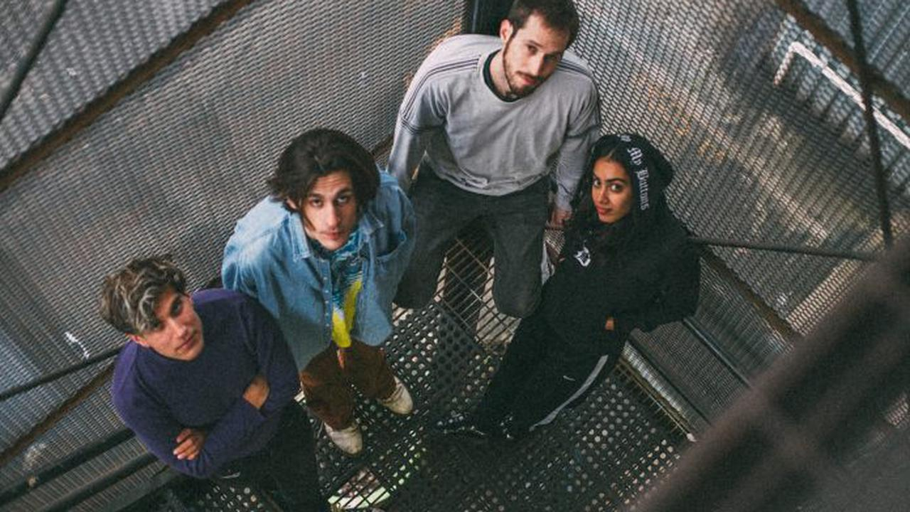 Crumb return with two new singles 'BNR' and 'Balloon'