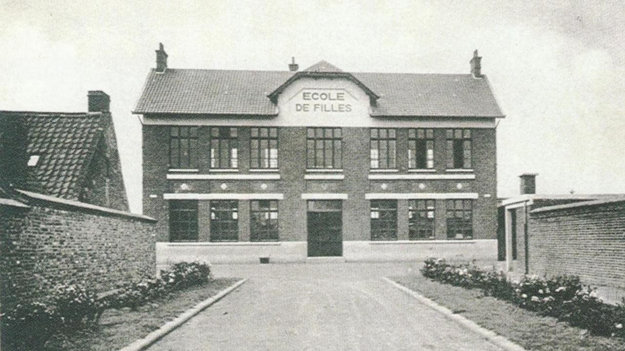 Avant/après: de l'école de filles à l'école maternelle à Sailly-Labourse