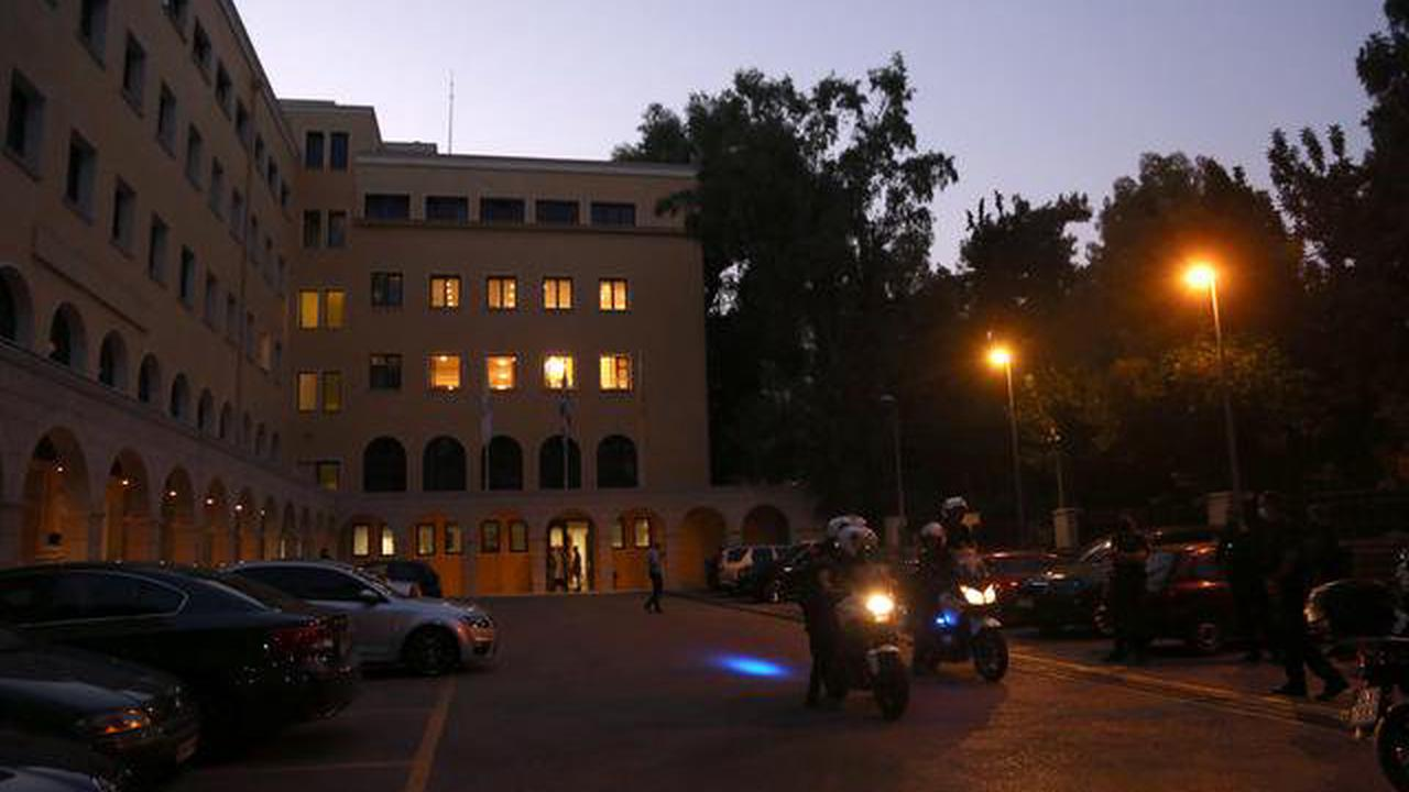 Priest douses bishops with acid in Athens