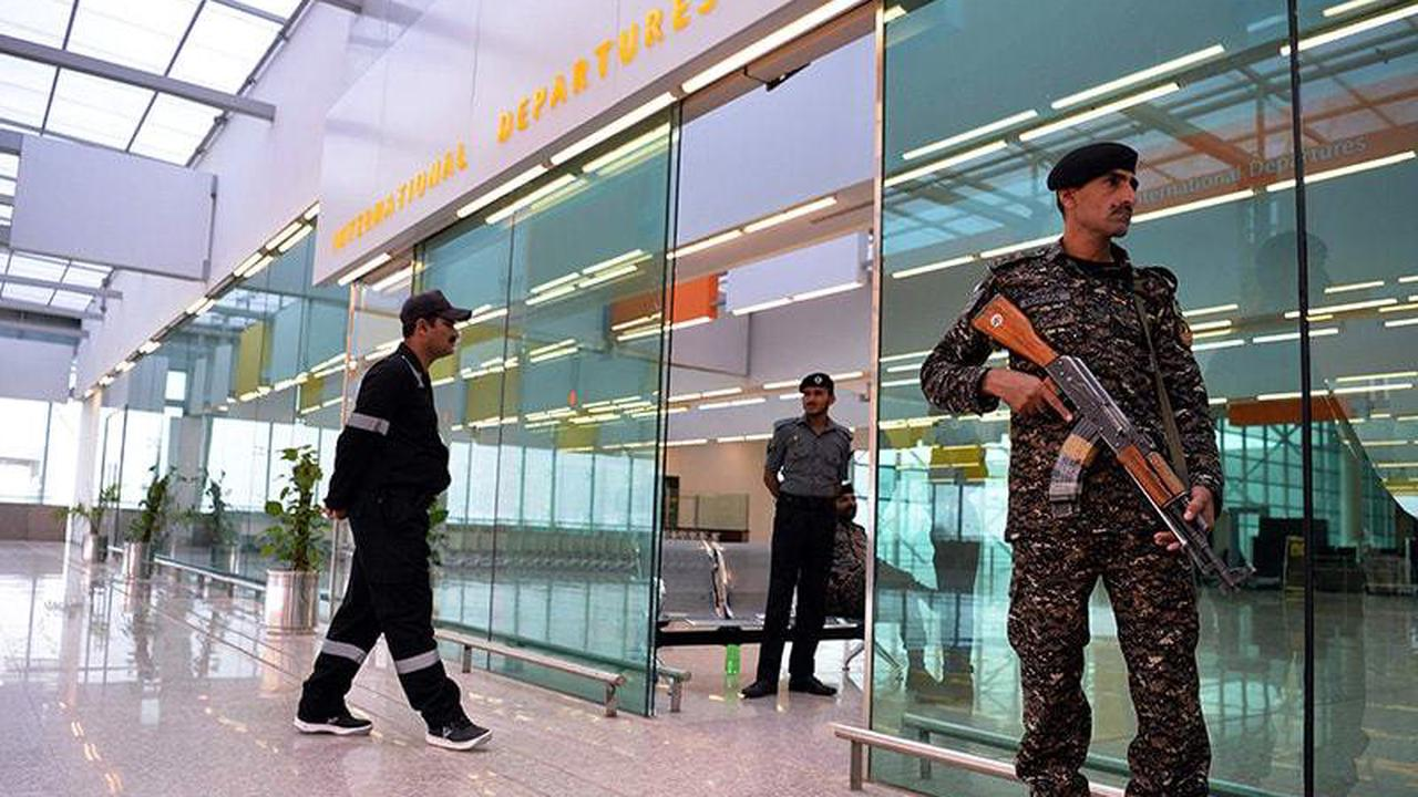 Sniffer dogs to identify coronavirus patients at Islamabad airport