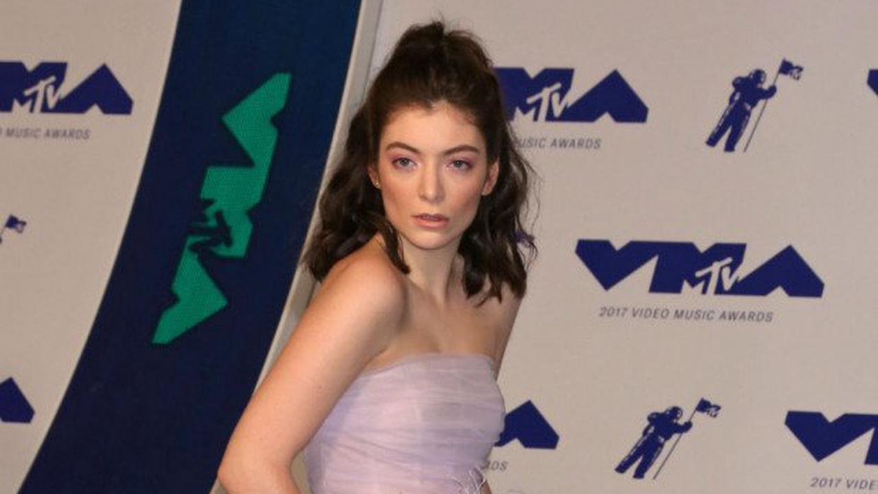 Lorde hails new album as 'buzzy mix' of S Club and Fleetwood Mac