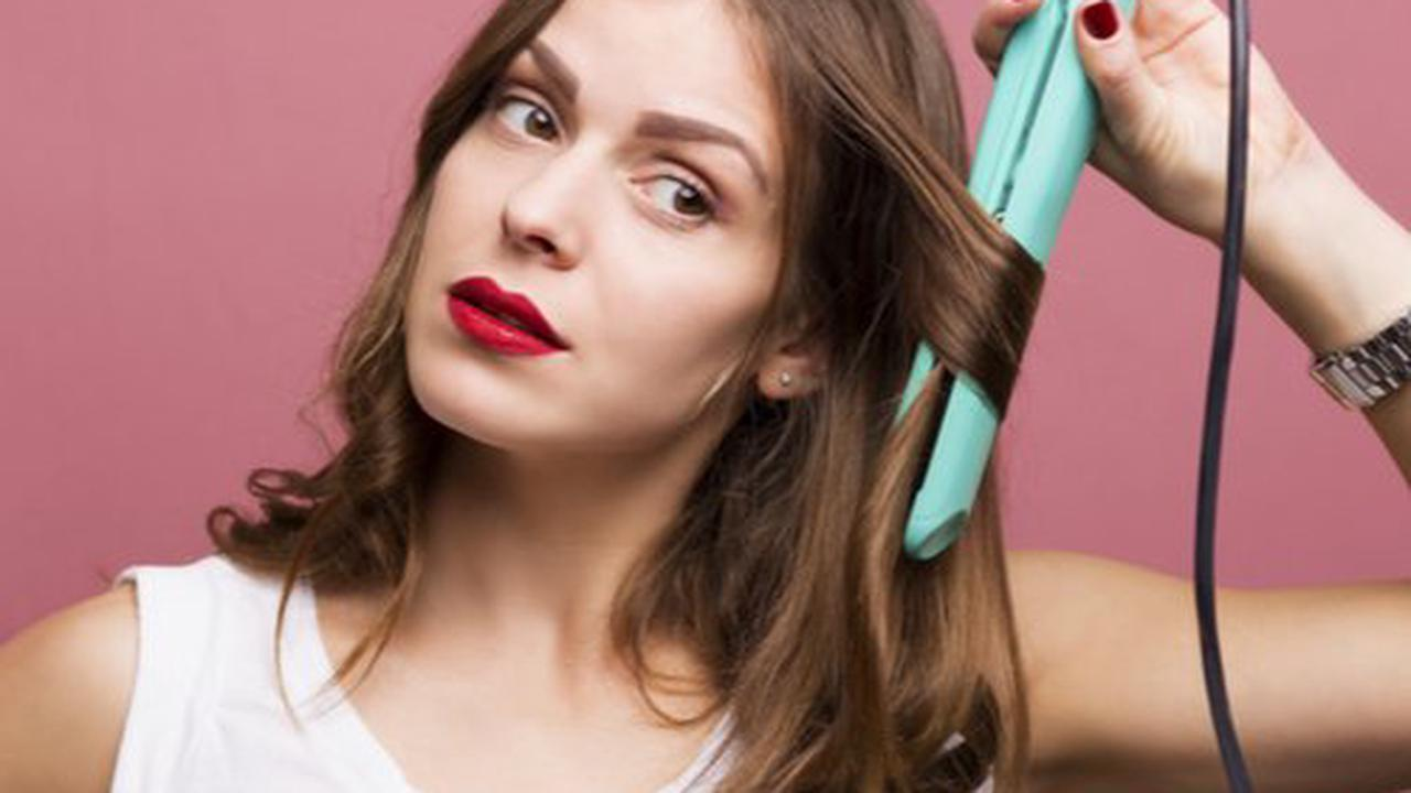 Here's What Actually Happens To Your Hair When You Skip Heat Protectant (Hint: It Could Be Making Fallout Worse)
