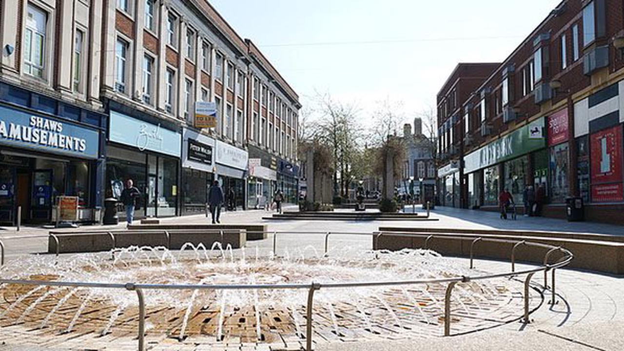 Shoppers urged to be COVID safe as town centre re-opens