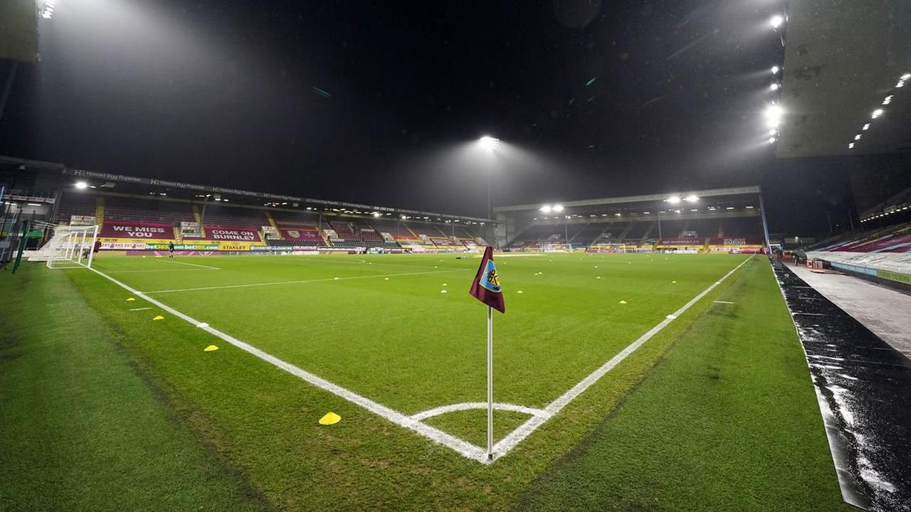 Burnley vs Rochdale live: Early team news as Clarets bid to progress in Carabao Cup