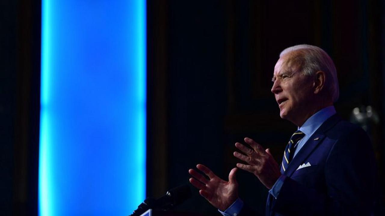 Biden outlines plan to accelerate Trump vaccine rollout