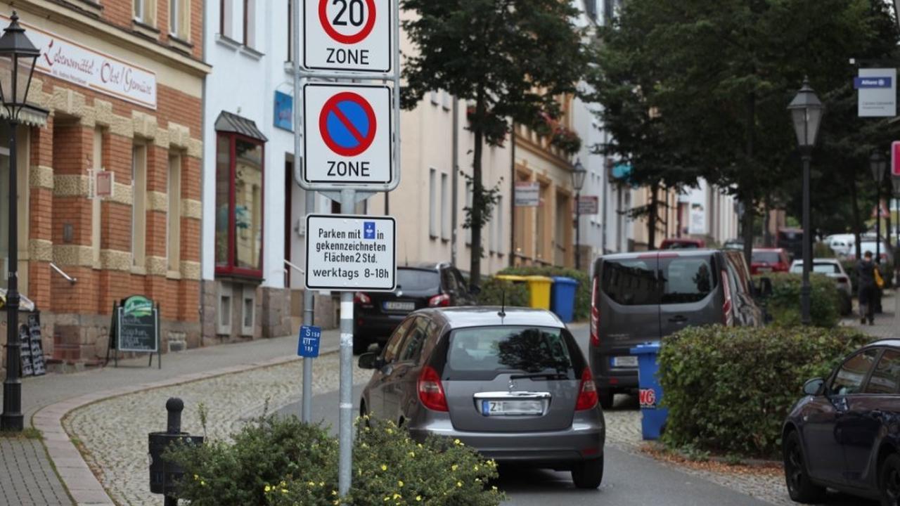 Verwaltung soll prüfen, ob Anwohnerparkplätze sinnvoll sind