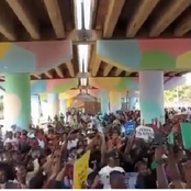 Goosebumps: Thousands Of Nigerians Gather Singing