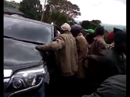 Rowdy Youths Block Nandi Governor's Car, Heckle Him (Video)