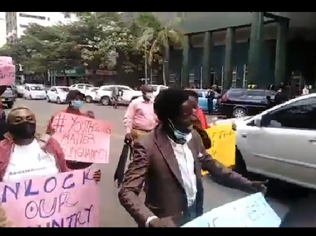 Angry Nairobians Demands The President To Reopen The Country