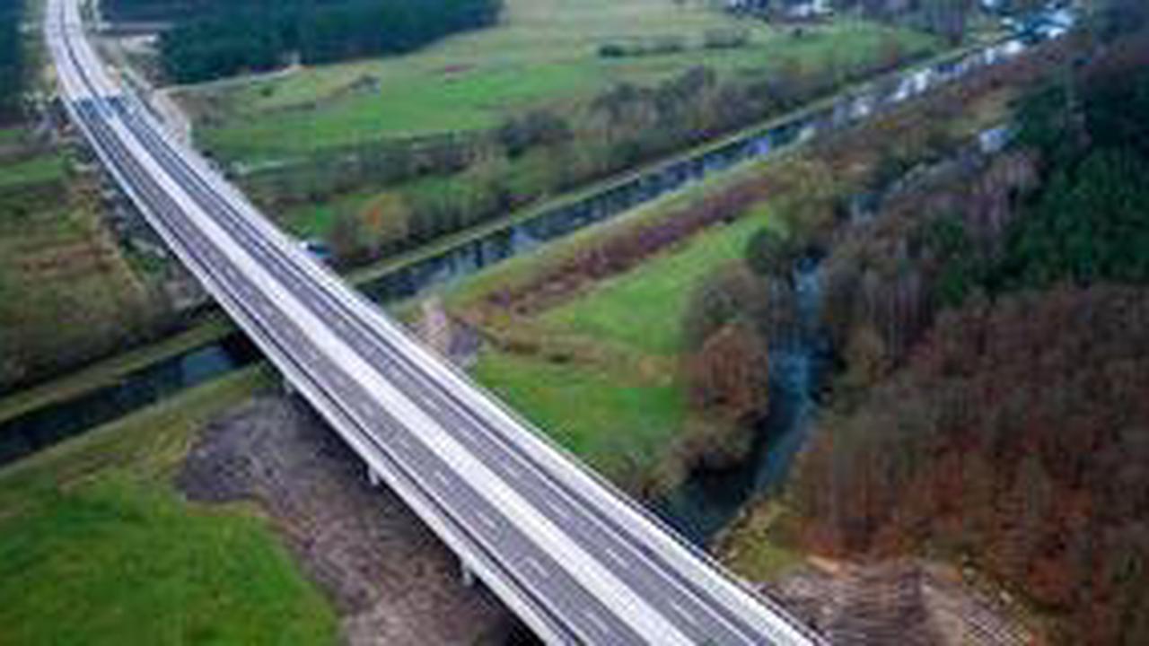 Demo von Autobahngegnern erzwingt Sperrung von Elbbrücke Wittenberge