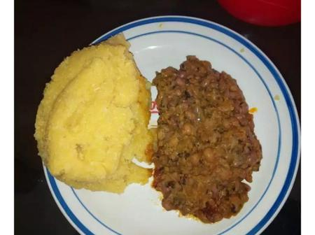 11 Funny Food Combinations That Nigerians Actually Love (Photos)