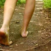 The Magic that Happens to Your Body when you walk Barefoot that Most people Don't Know