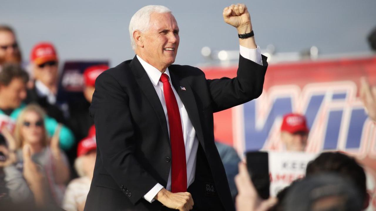 American Vice-President Mike Pence Skis Vail, CO With Air Force 2 & Secret Service Entourage
