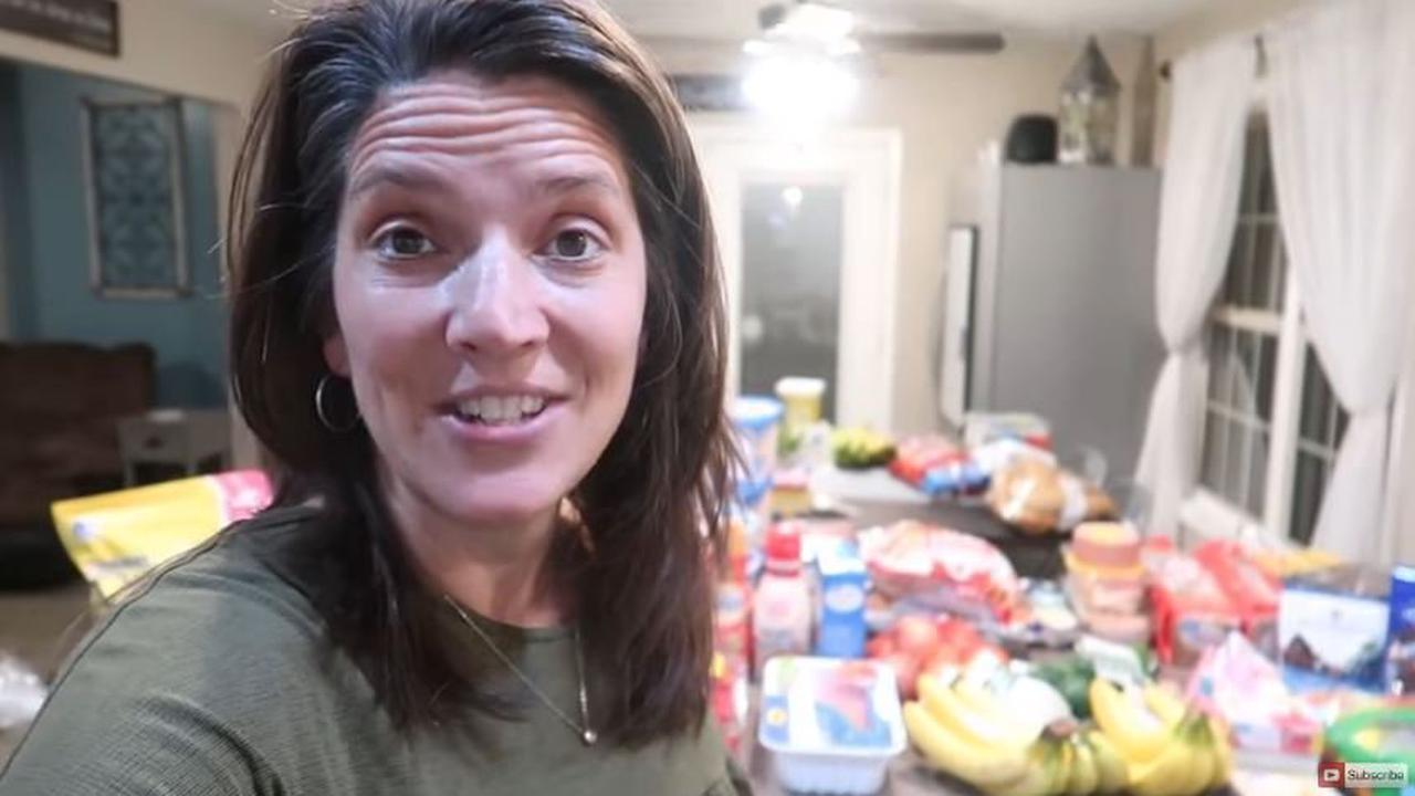 Mum-of-10 shares HUGE weekly grocery haul - including hundreds of ice lollies