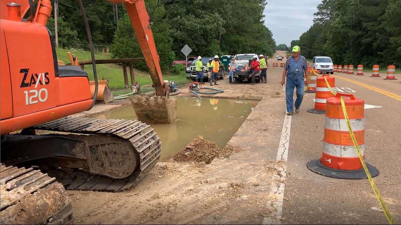 Crews work to repair Byram water main